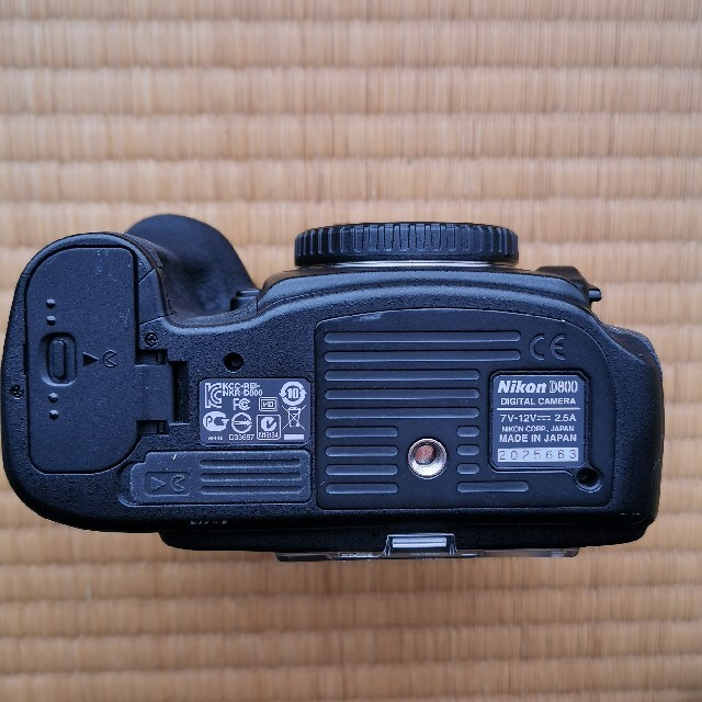 Nikon(ニコン)のNikon D800 ボディーのみ   1カ所不具合あり スマホ/家電/カメラのカメラ(デジタル一眼)の商品写真
