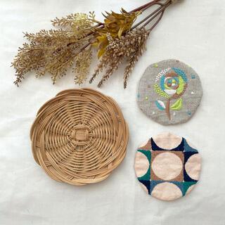 mina perhonen - 3点セット 籐皿とリバーシブルコースター ミナペルホネン