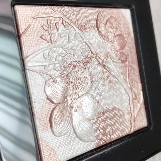 BOBBI BROWN(ボビイブラウン)の限定 ボビイブラウン ハイライティングパウダー L01 ピンクグロウ ハイライト コスメ/美容のベースメイク/化粧品(フェイスカラー)の商品写真