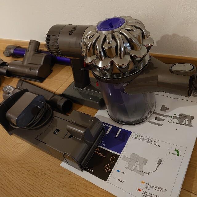 Dyson(ダイソン)のダイソン V6 motorhead コードレスクリーナー サイクロン掃除機 スマホ/家電/カメラの生活家電(掃除機)の商品写真