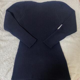 TOGA - TOGA コットンリブニット バッククロス 肩パッド入り(取り外し可能)