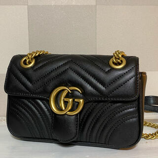 グッチ(Gucci)のGUCCI GGマーモント キルティング スモールショルダーバッグ(ショルダーバッグ)