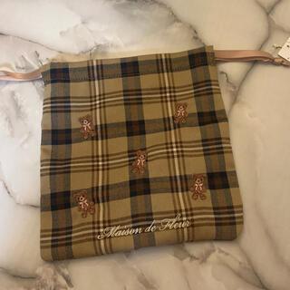 メゾンドフルール(Maison de FLEUR)のMaison de FLEUR メゾンドフルール限定ベアチェック ベア刺繍巾着(ポーチ)