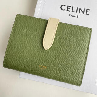 celine - ラスト1【新品】CELINE ストラップ ミディアム ライトカーキ 折り財布