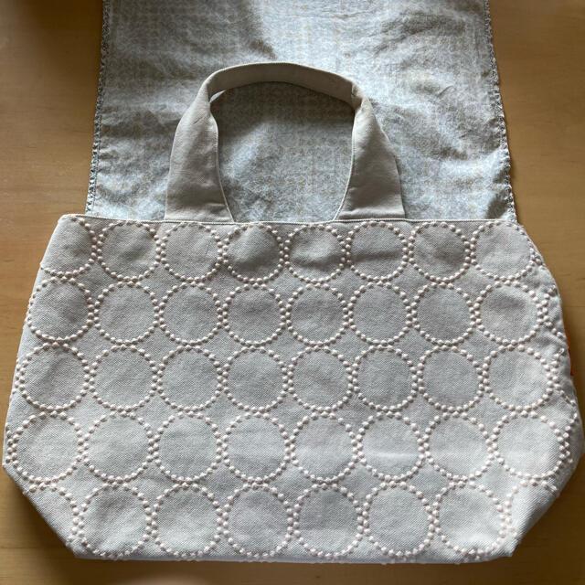 mina perhonen(ミナペルホネン)のミナペルホネン パニーニバッグ タンバリン×バード柄 レディースのバッグ(トートバッグ)の商品写真