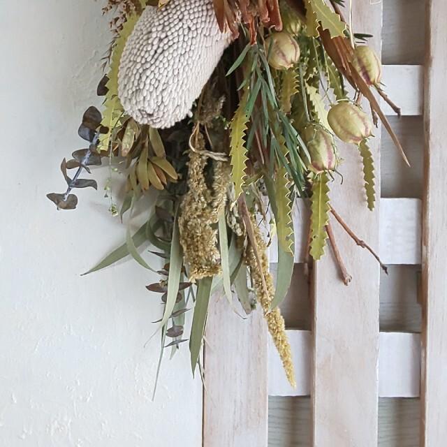 *専用  プロテア&バンクシア  ドライフラワースワッグ ハンドメイドのフラワー/ガーデン(ドライフラワー)の商品写真