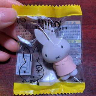 miffy ミニフィギュア ピンク