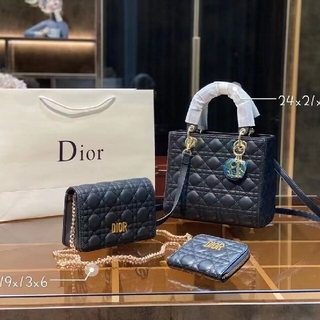 Christian Dior - Dior ☆人気ショルダーバッグ、財布3つ☆