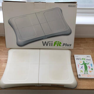 Wii - Wii Fit Plus バランスWiiボード セット