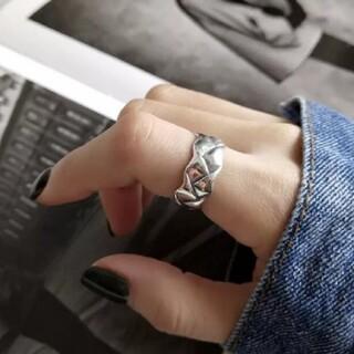 シップス(SHIPS)のヴィンテージ風 ウェーブ プレート デザインリング 指輪 シルバーリング(リング(指輪))