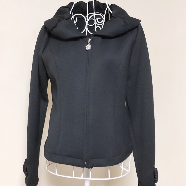 GALLERY VISCONTI(ギャラリービスコンティ)のギャラリービスコンティ 新品 ジップアップジャケット 黒 レディースのジャケット/アウター(ブルゾン)の商品写真