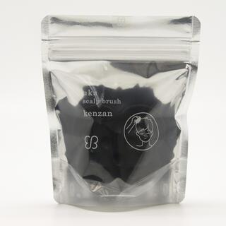 Cosme Kitchen - 【新品未使用】uka ❁ スカルプブラシ ケンザン