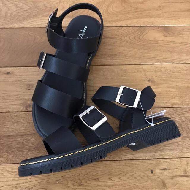 しまむら(シマムラ)のレア❤️しまむら マーチンサンダル L H&M プチプラのあや レディースの靴/シューズ(サンダル)の商品写真
