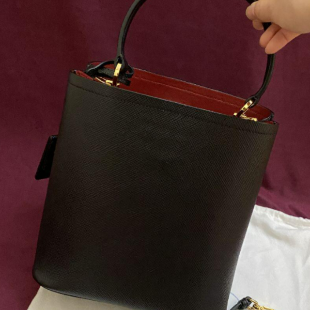 PRADA(プラダ)のPrada パニエ バック レザーバッグ  ハンドバッグ レディースのバッグ(ショルダーバッグ)の商品写真