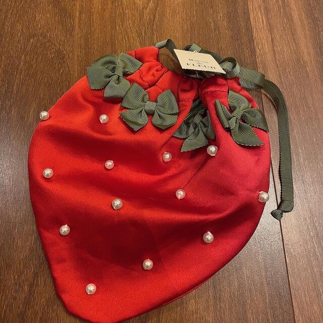 Maison de FLEUR(メゾンドフルール)のメゾンドフルール いちご ポーチ 巾着 ジェラピケ レディースのファッション小物(ポーチ)の商品写真