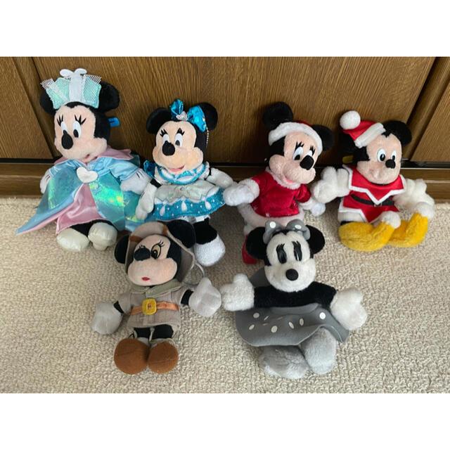 Daisy(デイジー)のディズニー ぬいぐるみピンバッジ セット まとめ売り エンタメ/ホビーのおもちゃ/ぬいぐるみ(キャラクターグッズ)の商品写真