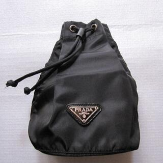 PRADA - PRADA プラダの巾着ポーチ 黒/ブラック