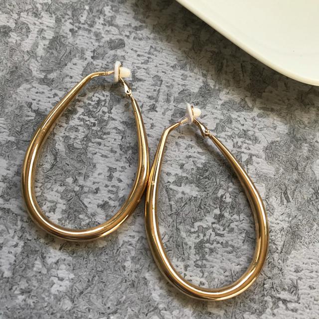 Mila Owen(ミラオーウェン)のoutlet! big hoop earrings レディースのアクセサリー(イヤリング)の商品写真