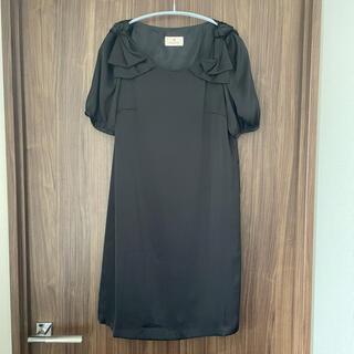 ルビーリベット(Rubyrivet)の黒のサテン素材のワンピース フォーマルなドレスしても◎(ひざ丈ワンピース)