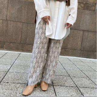 トゥデイフル(TODAYFUL)のBonny pattern relax pants white(カジュアルパンツ)