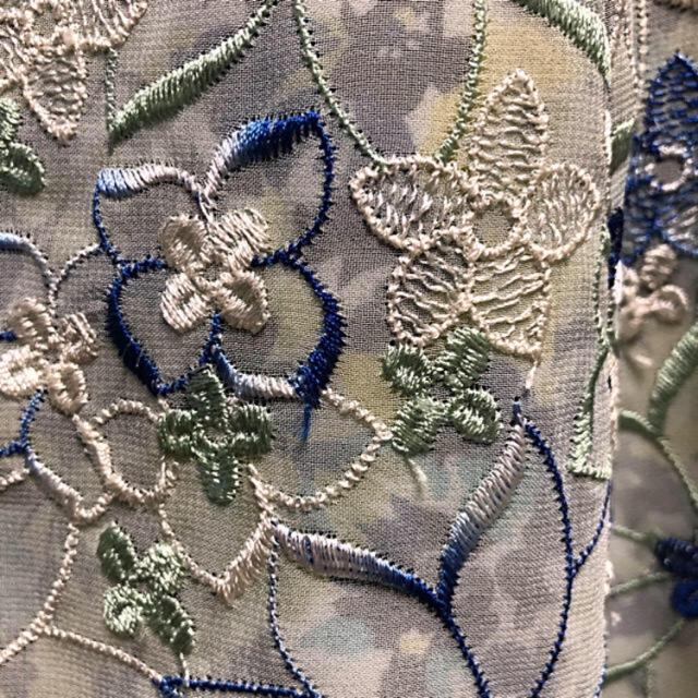 TOCCA(トッカ)の早い者勝ち!トッカ 刺繍 ブルー ワンピ レディースのワンピース(ひざ丈ワンピース)の商品写真