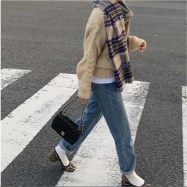 ACNE(アクネ)のoksoon ハイウエストテーパードデニム レディースのパンツ(デニム/ジーンズ)の商品写真
