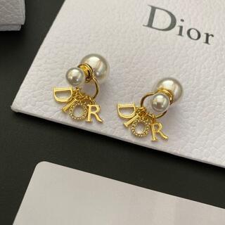 クリスチャンディオール(Christian Dior)のChristian Dior クリスチャンディオール ロゴ ピアス(ピアス)