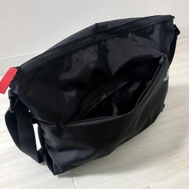 THE NORTH FACE(ザノースフェイス)の海外☆ノースフェイス ウーマン ショルダーバッグ ブラック レディースのバッグ(ショルダーバッグ)の商品写真
