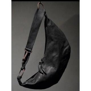 イサムカタヤマバックラッシュ(ISAMUKATAYAMA BACKLASH)の(定価64900)バックラッシュ・ジャパンステア製品染めバナナバッグ(ショルダーバッグ)