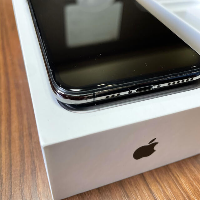 Apple(アップル)のiPhone XS 256G SIMフリー  スマホ/家電/カメラのスマートフォン/携帯電話(スマートフォン本体)の商品写真