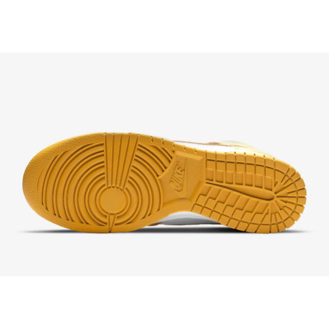 NIKE(ナイキ)のNIKE ナイキ ウィメンズ ダンク DUNK  high 24 レディースの靴/シューズ(スニーカー)の商品写真