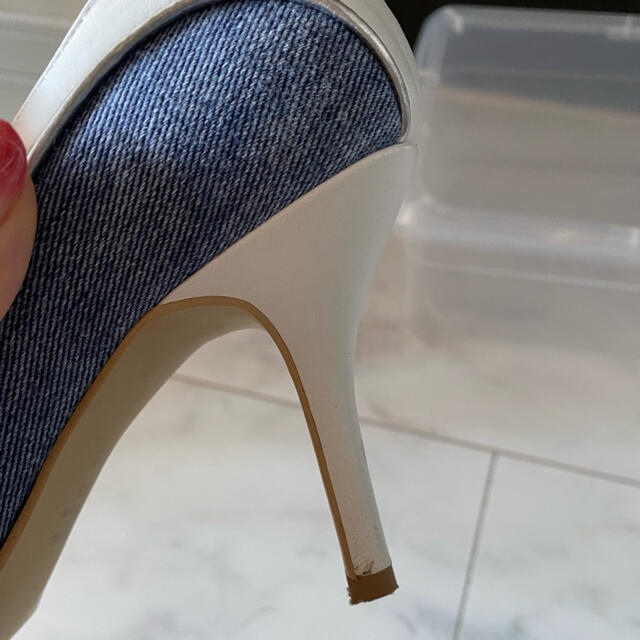 DIANA(ダイアナ)のDIANA♡デニム×ホワイト パンプス レディースの靴/シューズ(ハイヒール/パンプス)の商品写真