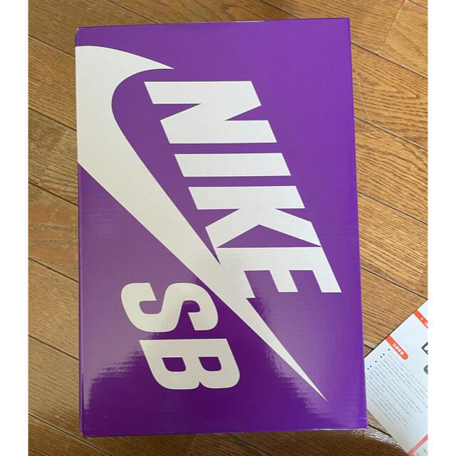 NIKE(ナイキ)のNIKE SB DUNK LOW CELADON  メンズの靴/シューズ(スニーカー)の商品写真