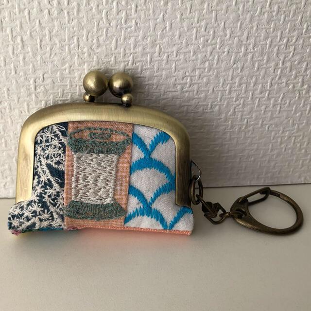 mina perhonen(ミナペルホネン)のミナペルホネン ハンドメイド パッチワーク ミニがま口 キーホルダー チャーム レディースのファッション小物(キーホルダー)の商品写真