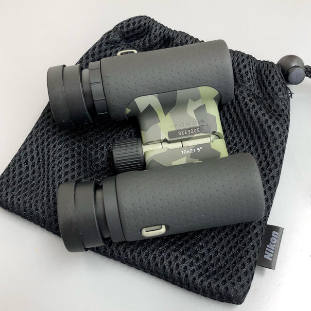 Nikon(ニコン)の【Nikon】双眼鏡 アキュロン10倍 カムフラージュ柄 スポーツ/アウトドアのスポーツ/アウトドア その他(その他)の商品写真
