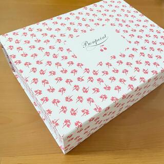Bonpoint - 【希少】ボンポワン 桜のギフトボックス 未使用