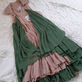 トーガ(TOGA)の新品タグ付き 3.5万 louis de gama dress(ひざ丈ワンピース)