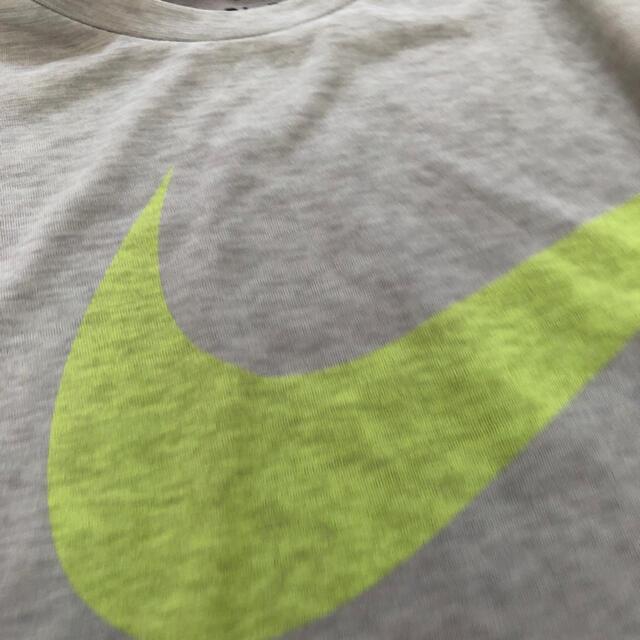 NIKE(ナイキ)の【新品】ナイキ キッズTシャツ 半袖 グレー 140cm キッズ/ベビー/マタニティのキッズ服男の子用(90cm~)(Tシャツ/カットソー)の商品写真
