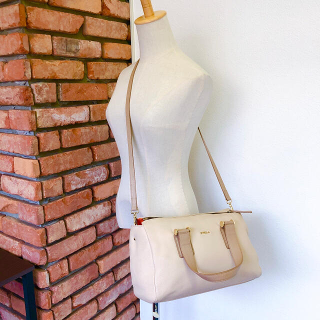Furla(フルラ)の数回 定6万 完売モデル フルラ 2WAY ハンド バッグ ショルダー ベージュ レディースのバッグ(ハンドバッグ)の商品写真