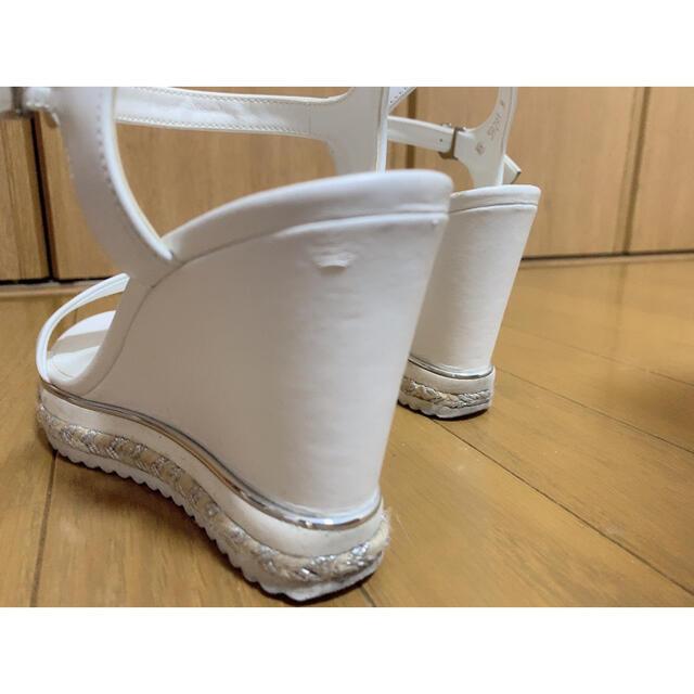 DIANA(ダイアナ)のDIANA ホワイトサンダル レディースの靴/シューズ(サンダル)の商品写真