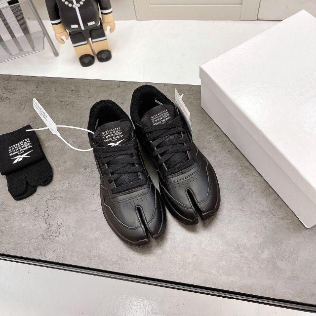 Maison Martin Margiela(マルタンマルジェラ)のMAISON MARGIELA×REEBOK CLASSIC TABI メンズの靴/シューズ(スニーカー)の商品写真