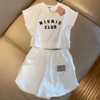 ミュウミュウ(miumiu)の【miu miu】Tシャツ 2点セット ホワイト(セット/コーデ)