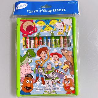 ディズニー(Disney)の新品!!トイ・ストーリー12色ポンキーペンシル(クレヨン・クーピー)(クレヨン/パステル)