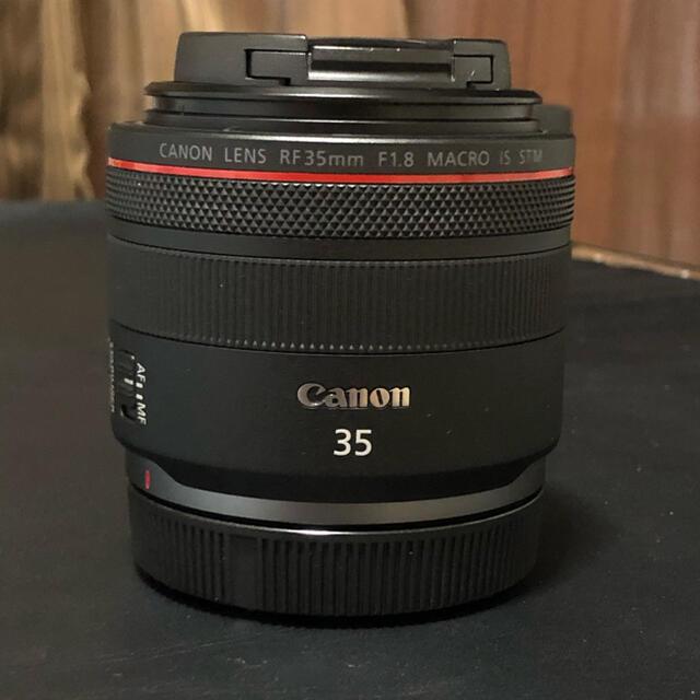 Canon(キヤノン)のcanon rf 35mm f1.8 macro  スマホ/家電/カメラのカメラ(レンズ(単焦点))の商品写真