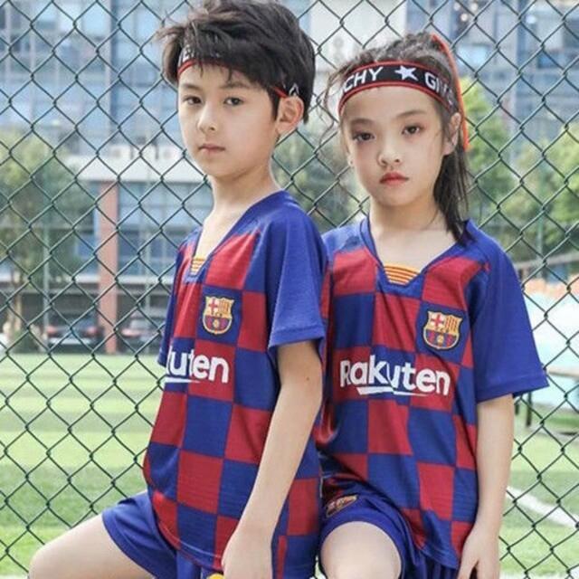 バルセロナ新品子供サッカーユニフォーム 130-140cm キッズ/ベビー/マタニティのキッズ服男の子用(90cm~)(その他)の商品写真