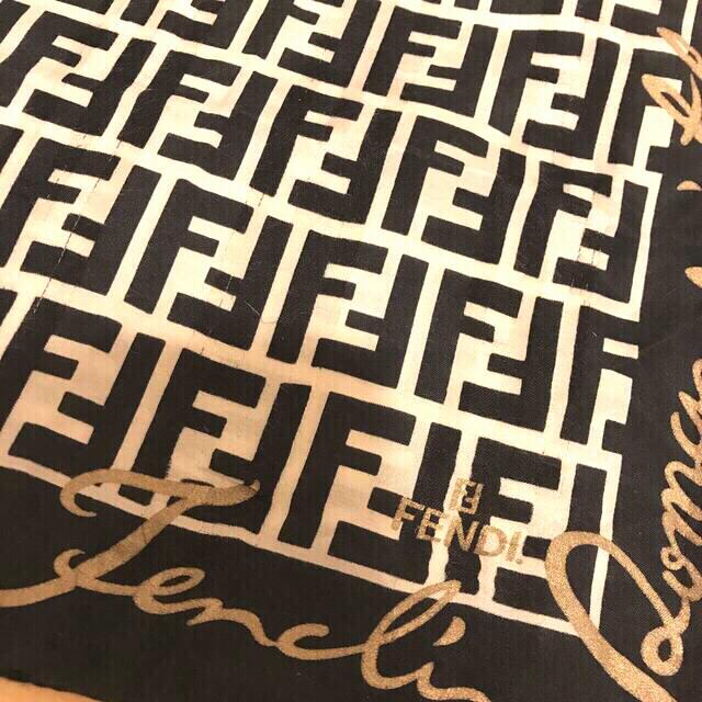 希少フェンディ ハンカチスカーフ シルク混 モノクロ feminine レディースのファッション小物(ハンカチ)の商品写真