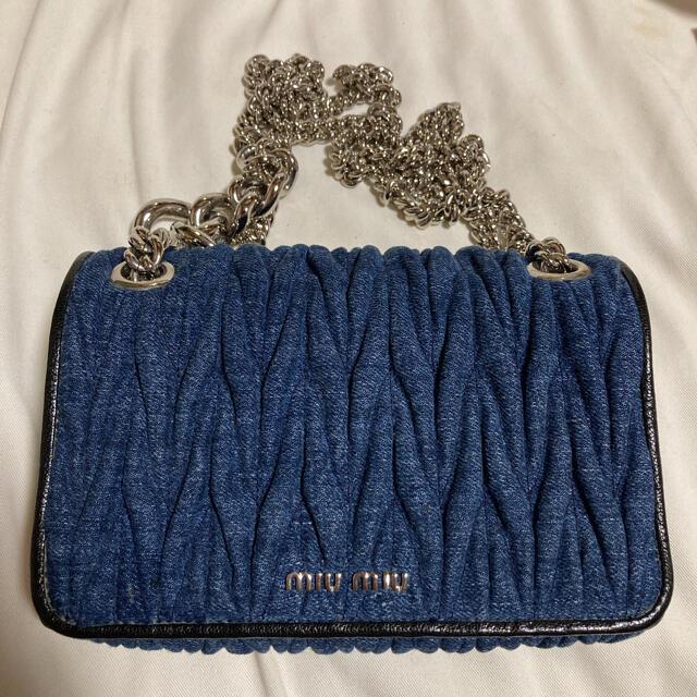 miumiu(ミュウミュウ)のmiumiu デニムマトラッセ ショルダーバック レディースのバッグ(ショルダーバッグ)の商品写真