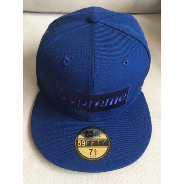 Supreme(シュプリーム)のSupreme tonal box logo new era 7 1/2 メンズの帽子(キャップ)の商品写真