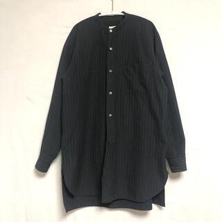 COMOLI - COMOLI コモリ バンドカラーシャツ チョークストライプ 16AW
