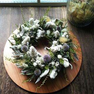グリーンと小花のドライフラワーリース